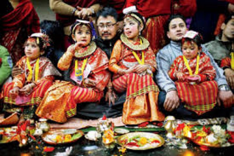 Matrimonio In Nepal : Nepal about 500 hindu and buddhist child brides married to a tree
