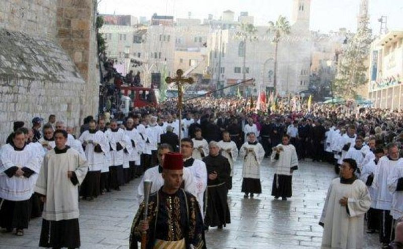bethlehem asianews a total of 90000 tourists are expected to arrive in israel over the christmas holiday this according to the israel ministry of