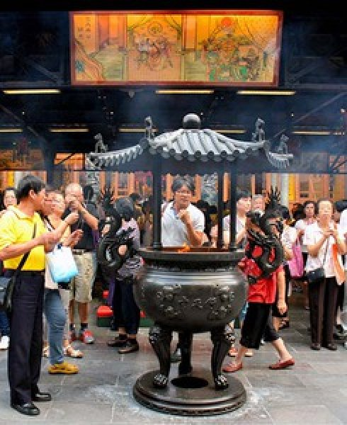 Places Of Worship For Taoism: TAIWAN Taipei's Largest Taoist Temple Bans Incense: It